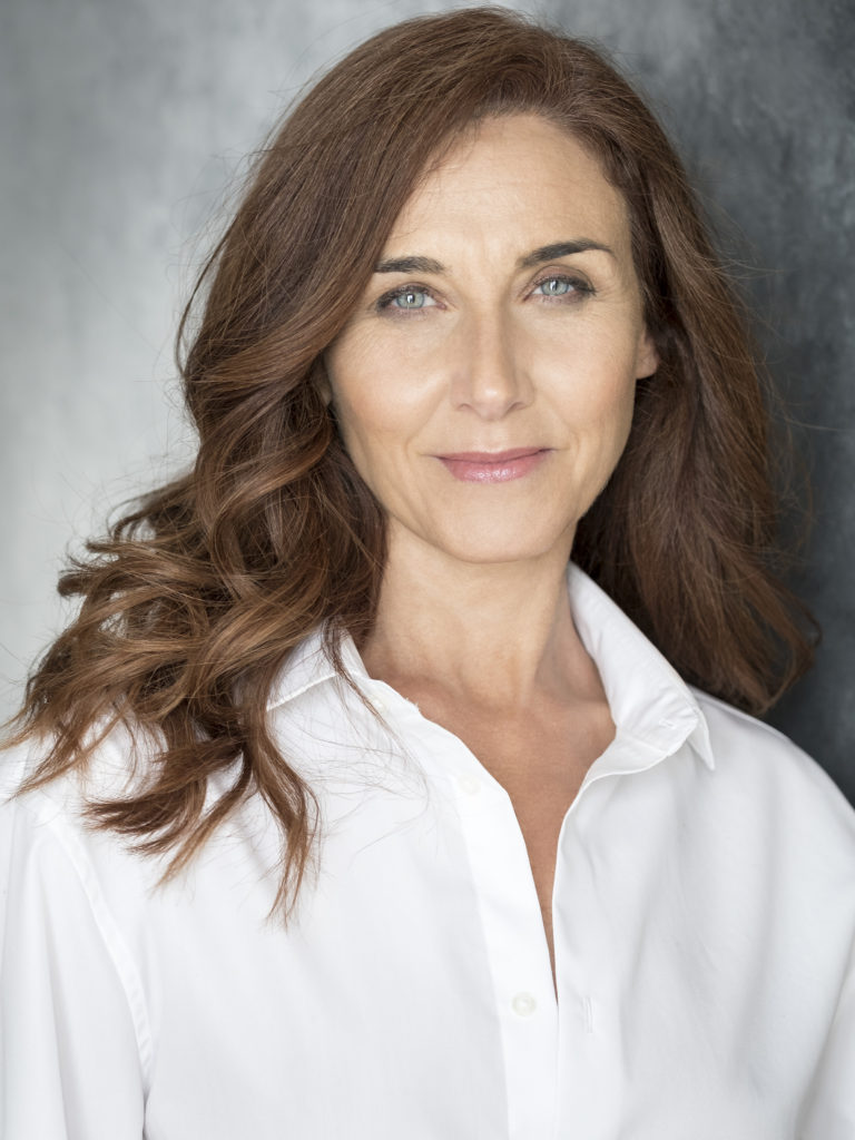 Mona Martínez